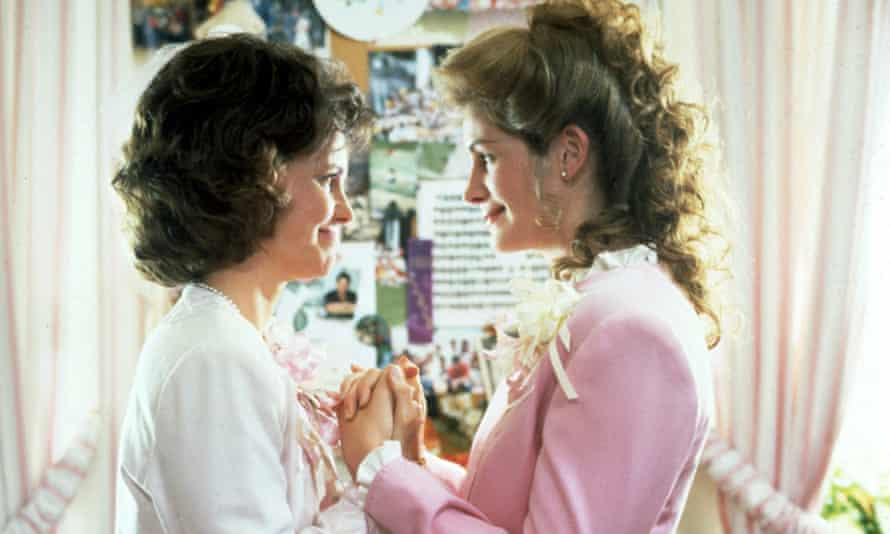 Sally Field and Julia Roberts