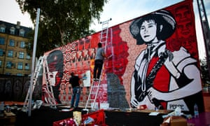 Shepard Fairey is one of the street artists supporting Google's project