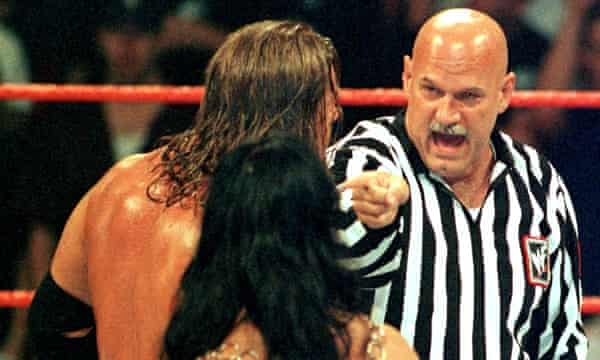 Jesse Ventura gets into an argument with Triple H