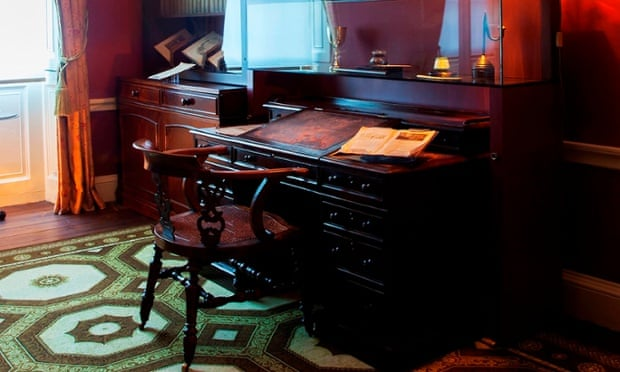 Charles Dickens desk chair