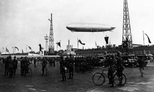Crowds gather at Templehof to greet the Graf Zeppelin after its tour of the Arctic regions for research on 31 July 1931