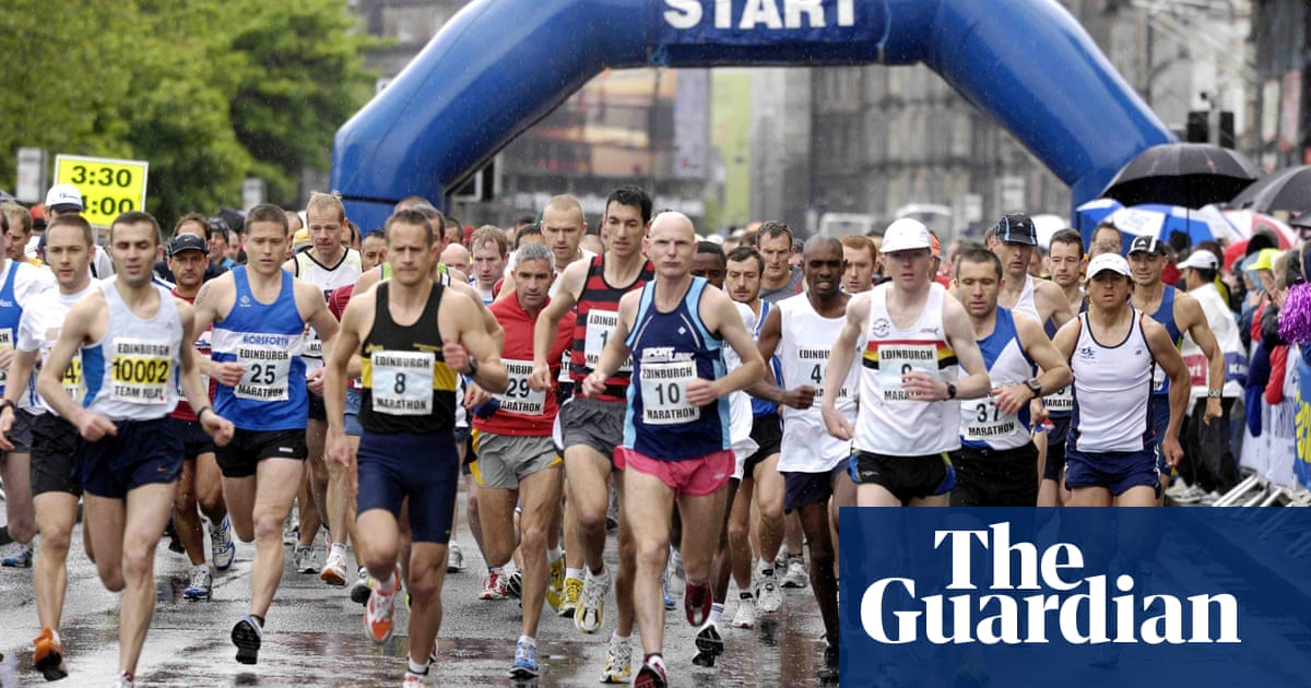 What should marathon runners eat to increase performance