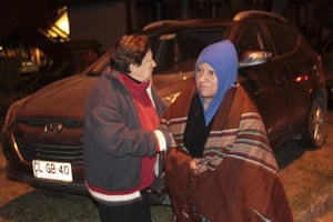People leave their homes after Villarica erupted