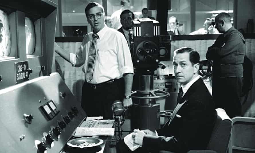 George Clooney and David Strathairn in Good Night, and Good Luck (2005)