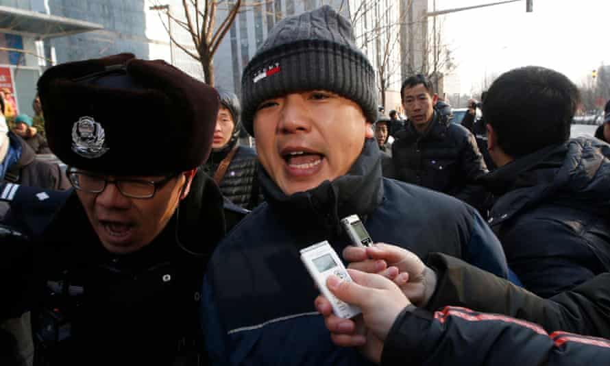 police officer blocks advocacy group's lawyer