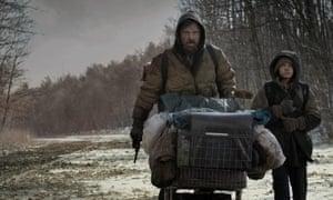 Viggo Mortensen in The Road with Kodi Smit-McPhee.
