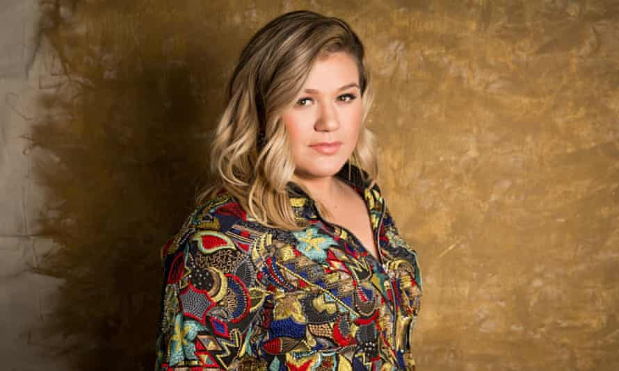 Kelly Clarkson pop star