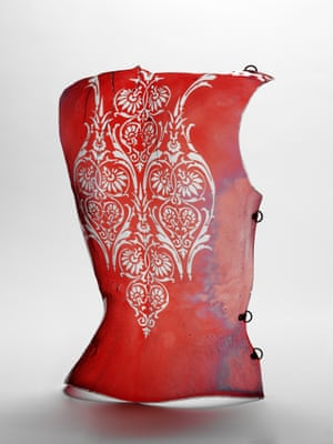 Cuirass. Columbia Glassworks for Alexander McQueen. Courtesy of Victoria and Albert Museum, London.