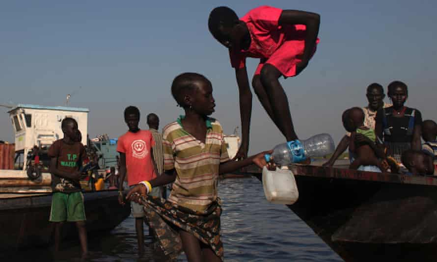 Children arriving at the Minkaman refugee camp for people displaced by fighting in South Sudan.