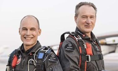 , los pilotos, se turnarán en la cabina durante el viaje de 35.000 kilómetros.
