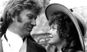 Robin Ellis and Angharad Rees in the 1975 series.