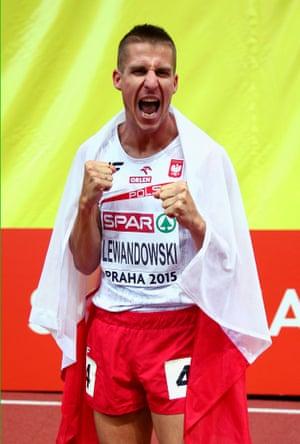 Marcin Lewnadowski of Poland wins gold in the Men's 800 metres Final.