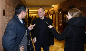 Greek Finance Minister Yanis Varoufakis (C) upon his arrival to attend the conference 'Assessing Risk: Business in Global Disorder' at the Aspen Institute in Venice, nothern Italy, 07 March 2015.