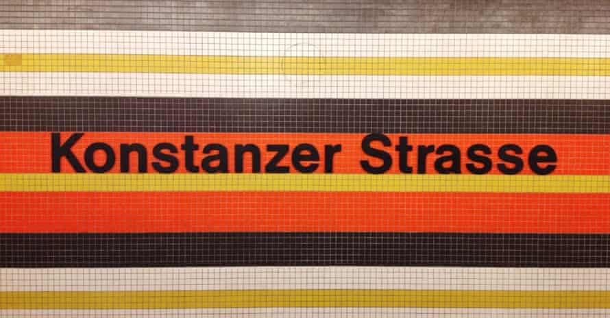 Konstanzer Strasse on the U7, using Helvetica, station sign.
