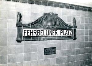 Berlin's Fehrbelliner Platz sign - Nov. 1955.
