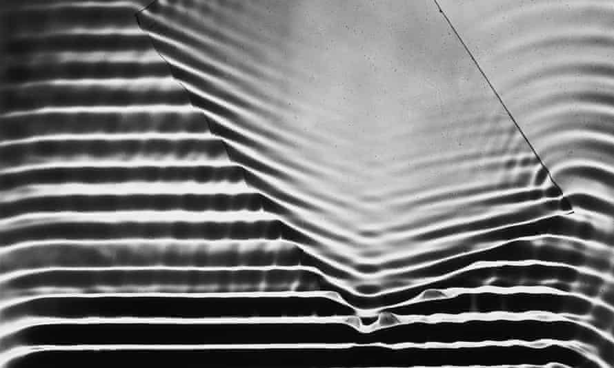 Wave Pattern With Glass Plate.