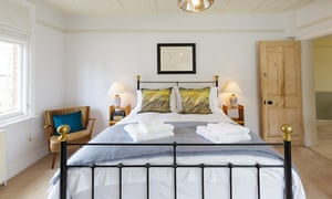 The Kestrel bedroom at Old Town Hall House, Cley-Next-The-Sea