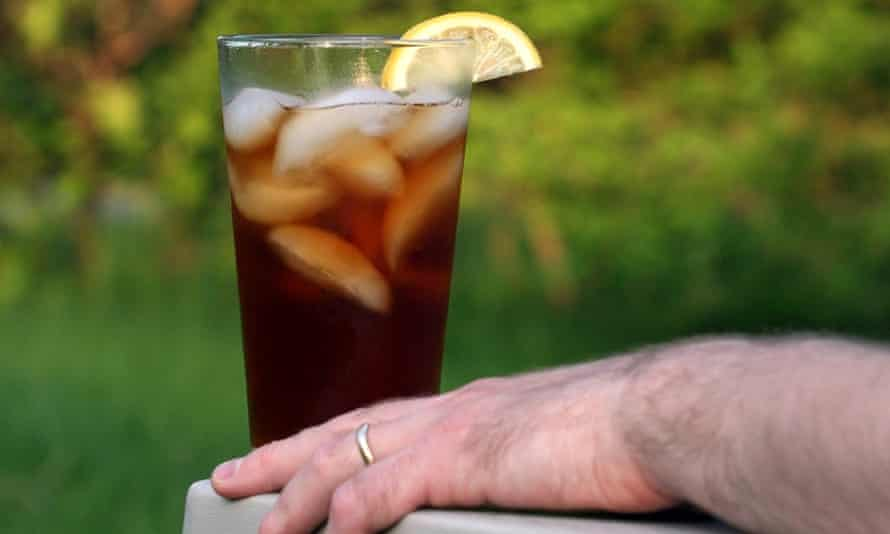 This May 21, 2007 file photo shows a glass of iced tea in Concord, N.H. Doctors have traced an Arkansas man's kidney failure to an unusual cause   his habit of drinking a gallon of iced tea each day. He said he drank about 16 8-ounce cups of iced tea every day. Black tea has the chemical oxalate which known to cause kidney stones or even kidney failure in excessive amounts. The man is on dialysis, perhaps for the rest of his life. The case report is in the Thursday, April 2, 2015 issue of the New England Journal of Medicine. (AP Photo/Larry Crowe)