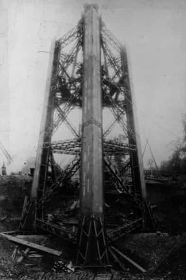Watkin's Tower under construction in Wembley in the 1890s.
