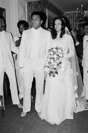 1977 Muhammad Ali marries actress and supermodel Veronica Porsche in Los Angeles, California