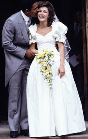 1987 Daley Thompson kisses his new wife Patricia after their wedding ceremony in Crawley, Sussex