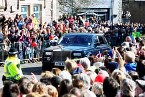 Fans cheer as the British tennis number one pulls up to the cathedral