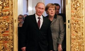 Vladimir Putin Angela Merkel, around the Kremlin in November 2012