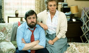 Ricky Tomlinson and Sue Johnston in Brookside.