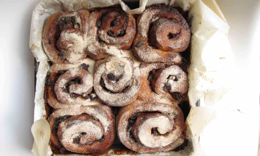 Lily Vanilli's chelsea buns