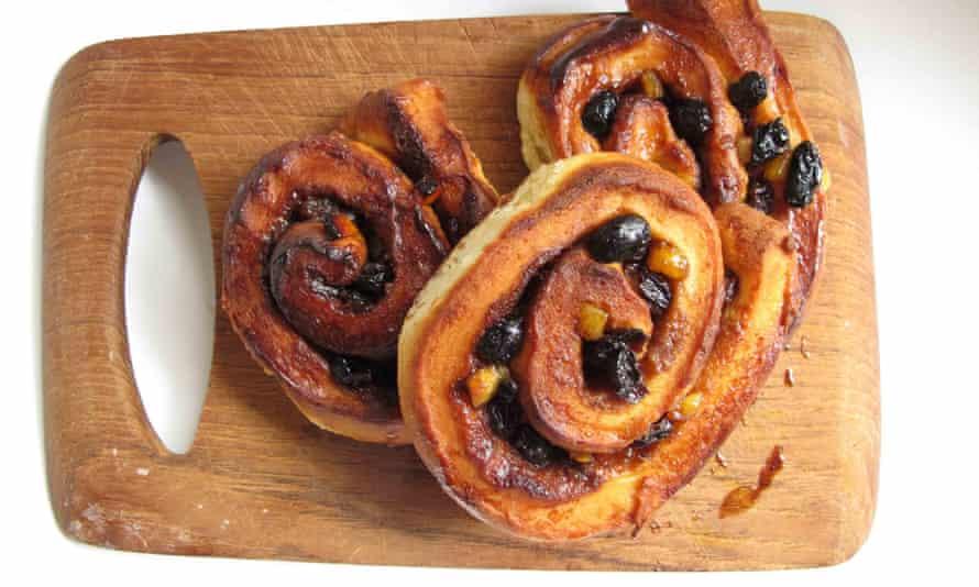 Jane Grigson's chelsea buns