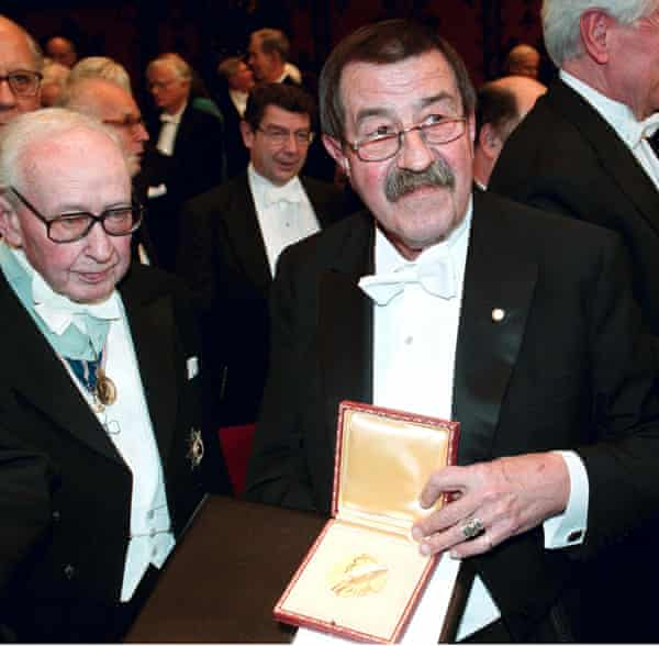Günter Grass is awarded the Nobel peace prize for literature in 1999.
