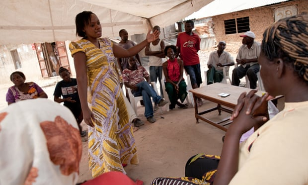 Phyllis Omido during a meeting with community members and former factory workers in Owino Uhuru.