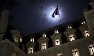 Beau Rivage Palace旅馆的一个夜间视图在洛桑,瑞士。