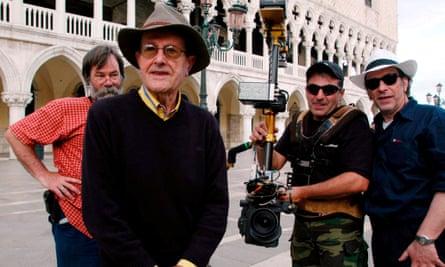 Manoel de Oliveira shooting The Magic Mirror in 2005.