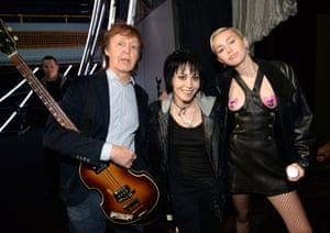 Paul McCartney, Joan Jett and Miley Cyrus at the 2015 Rock And Roll Hall of Fame induction ceremony