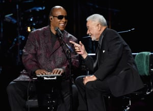 Stevie Wonder and Bill Withers at the 2015 Rock and Roll Hall of Fame induction ceremony