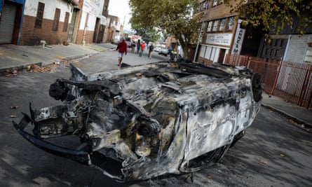 South African police on Friday fired rubber bullets to disperse rioters in central Johannesburg following xenophobic violence.