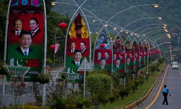Billboards in Islamabad celebrate Xi Jinping's visit and historic Pakistani-Chinese friendship.