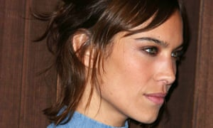 Alexa Chung's 'faux-burns' soften her face.