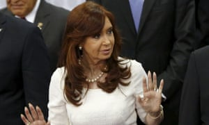 Argentinian prosecutors have said there is not enough evidence to pursue a corruption case against President Cristina Fernández de Kirchner.