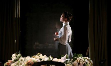 Hedda Gabler play at Abbey Theatre