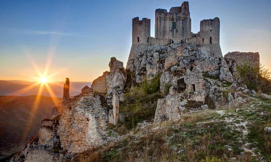 Breathtaking: ruins of Rocca di Calascio in L'Aquila.