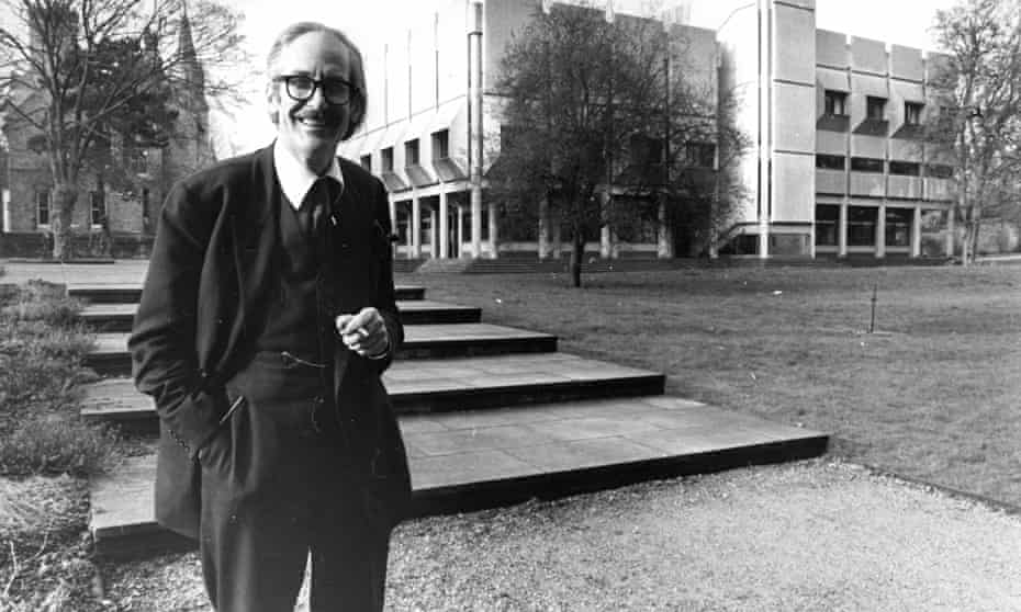 Sir Raymond Carr joined St Antony's College, Oxford, in 1964 and served as its warden for 18 years. Photograph: Guardian