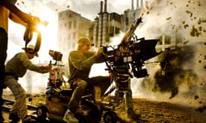 Michael Bay on the Transformers Age of Extinction set
