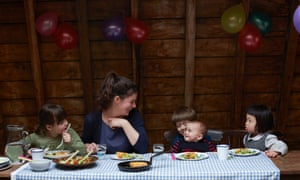 Claire Thomson and co tuck into a fun teatime feast of spaghetti frittata and 'chop-chop' salad