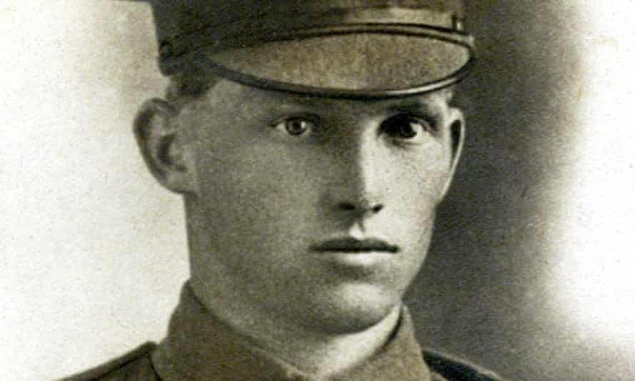 Horace James Bowers 859, 15th Battalion AIF who joined up in September 1914 and fought both at Gallipoli and later on the Western Front during the first world war.