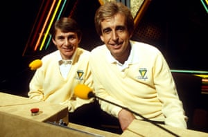 1987 Willy Carson and Terry Griffiths on the ITV quiz show 'Sporting Triangles'
