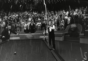 1987 The referee looks alarmed by the manner in which Steve Davis is celebrating his World Snooker triumph