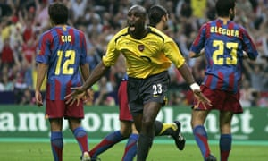 Campbell celebrates scoring against Barcelona in the 2006 Champions League final.