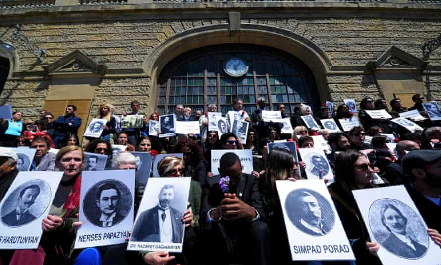 Activists pictures victims